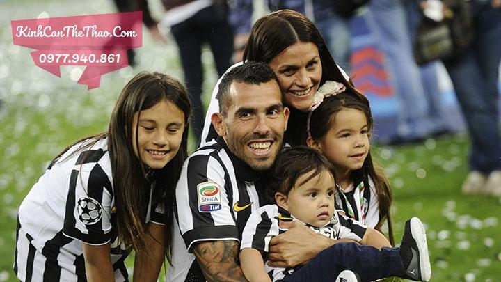 Gia đình Carlos Tevez tại Juventus