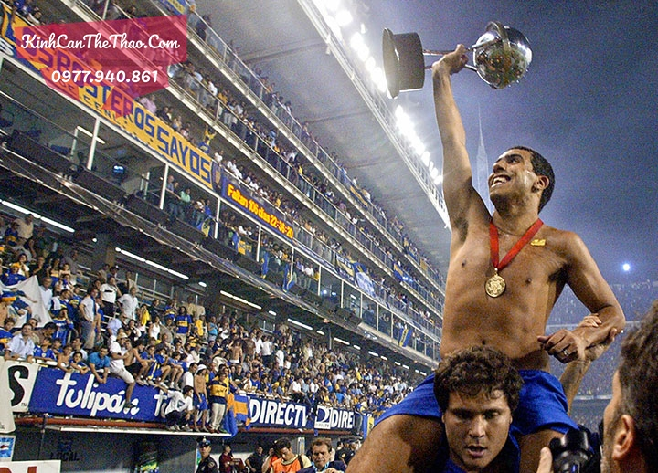 Carlos Tevez of Boca Juniors displays th