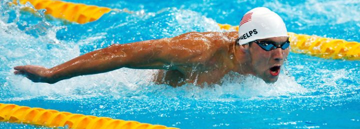 Cách đeo kính bơi và mũ bơi của Michael Phelps